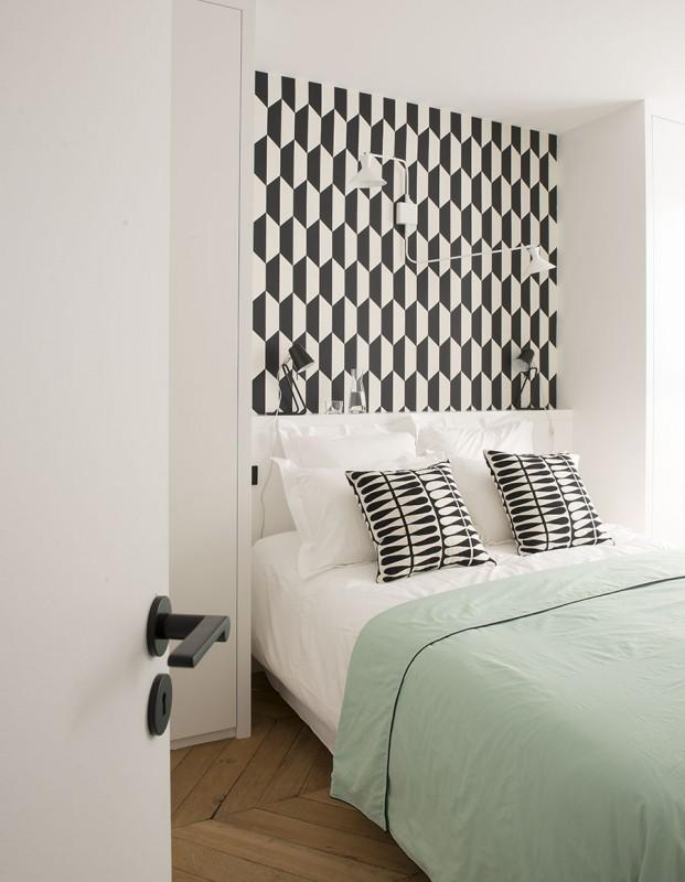 Appartement paris 7 double g petites surfaces projets for Papier peint chambre parents